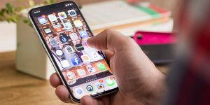 SMS, e-Mail, WhatsApp: Komunikasi Paling Aman yang Mana?