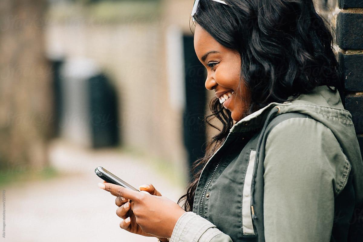 Alasan Kebanyakan Data Afrika Digunakan di WhatsApp